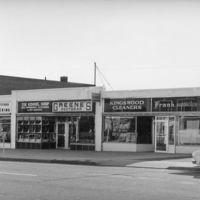 Commercial buildings, Farmington Avenue, West Hartford Center